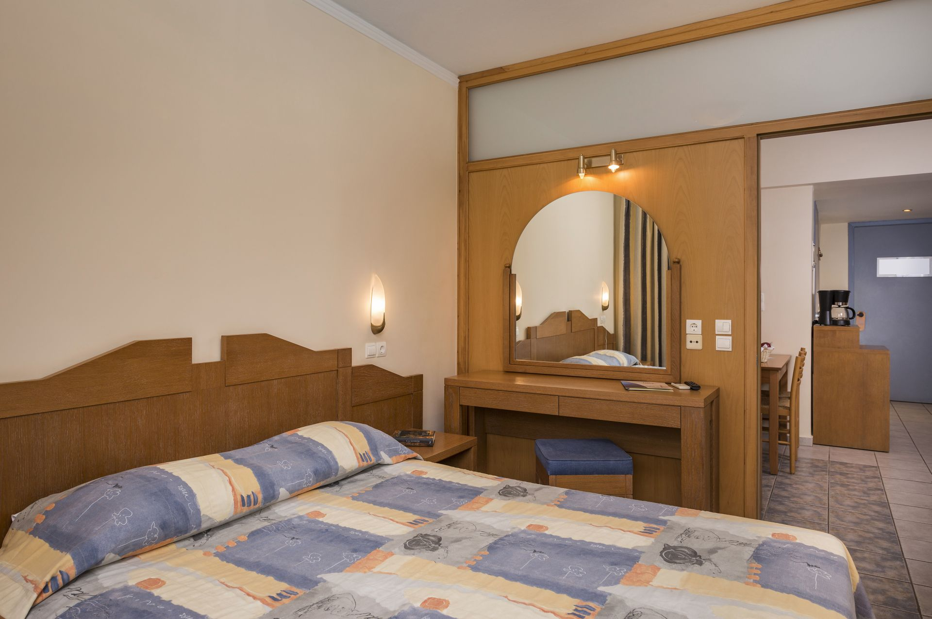 Two bedroom apartment bio suites hotel in rethymnon crete - Two bedrooms apartment ...